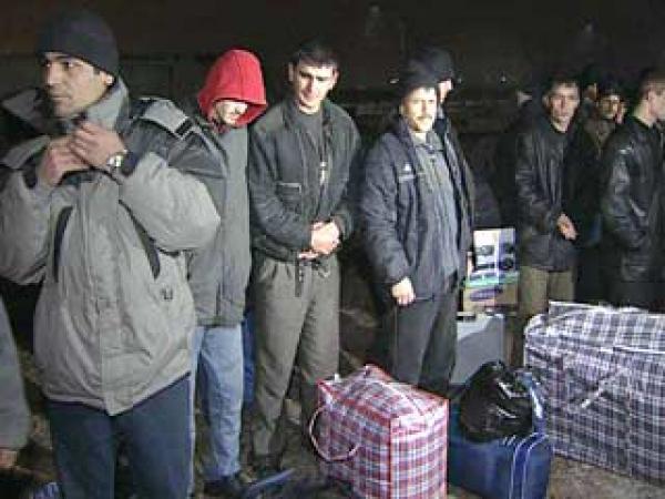 В госдуме предлагают ужесточить визовый режим по отношению к мигрантам в связи с угрозой национальной безопасности